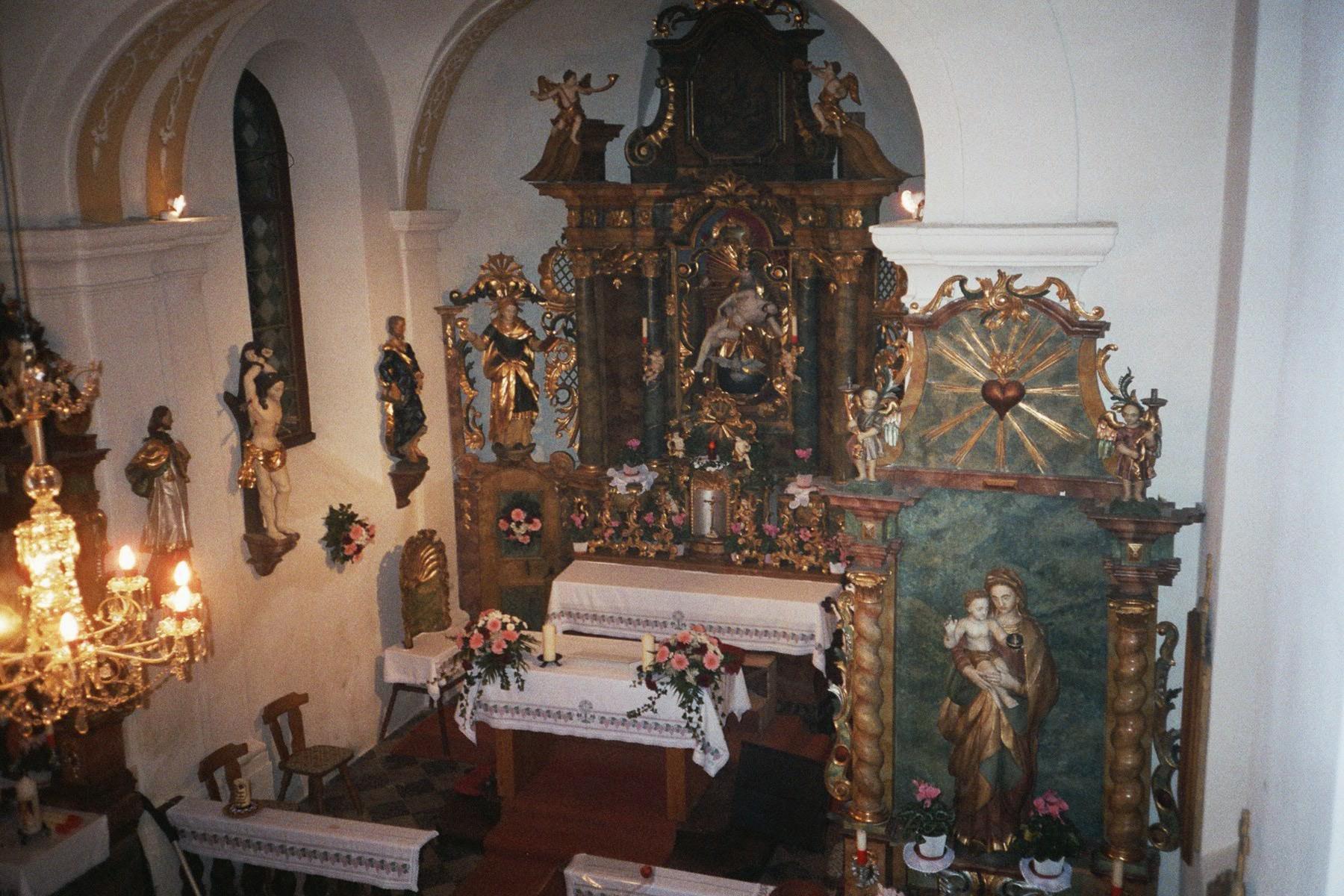 Kirche Hl. Dreifaltigkeit Teuchl